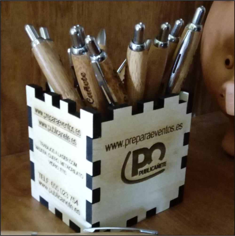 Portalápices de madera personalizado