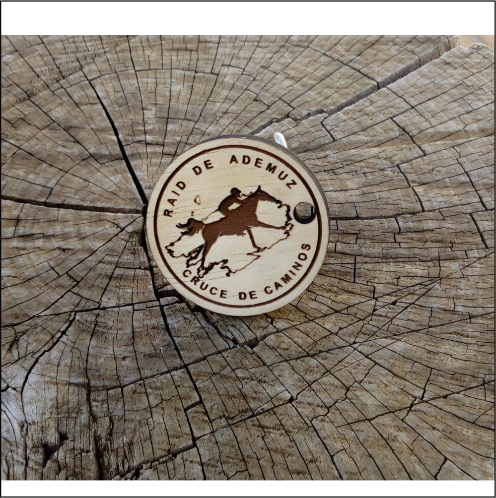 Llavero de madera personalizable circular
